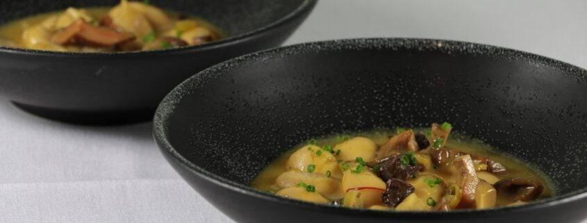 restaurante con menú de temporada en Valencia - Alubias de Viver con rebollon